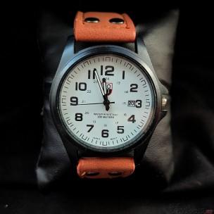 Кварцевые часы (оранжевые)