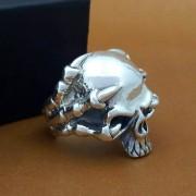 """Перстень """"Paw and skull"""""""