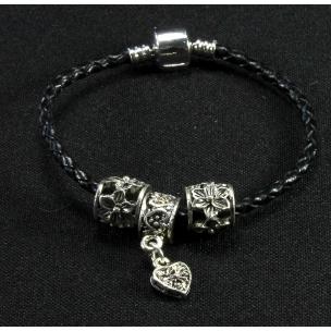 Кожаный браслет с шармами Пандора